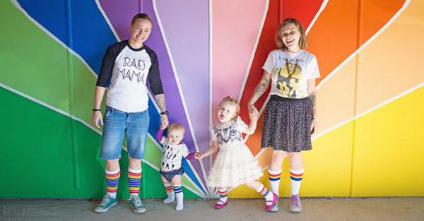 女女伴侶Shannon和Suzanne Michaels以及她們的女兒們
