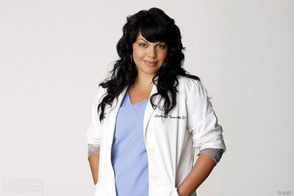 萊米雷茲在《實習醫生格蕾》中飾演骨科醫生凱莉